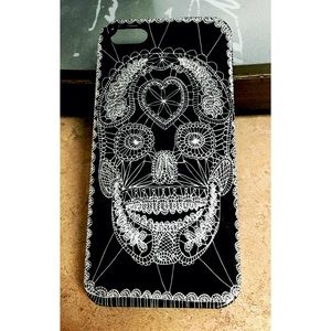Black & White Graffiti Skull iPhone 5/5S/SE Case